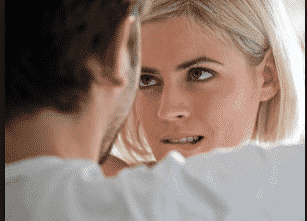 6 Signs She's Just Not That Into You