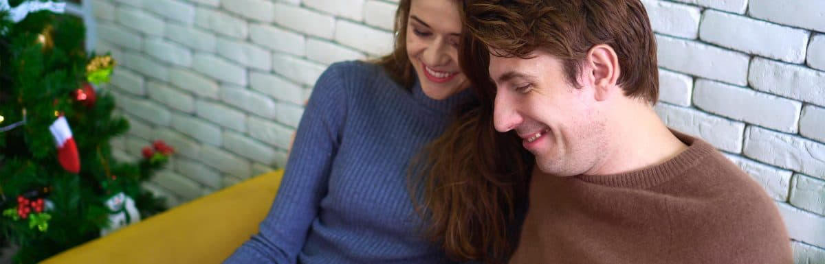 Thoughtful Holiday Gifts For Your Girlfriend (At Every Stage Of The Relationship)
