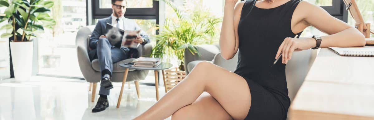 5 Signs She Likes You But Is Intimidated